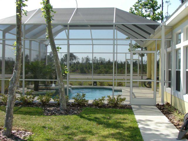 Czy poliwęglanowe zadaszenie basenu sprawdzi się do zadaszenia tarasu?
