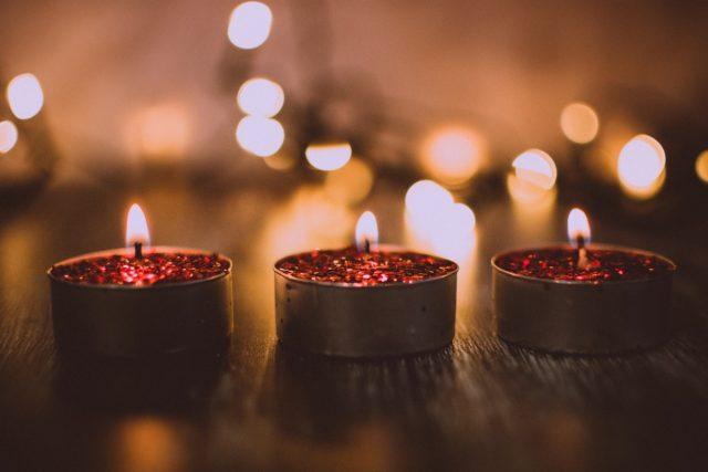 Jak wybrać aromat w świecy zapachowej?
